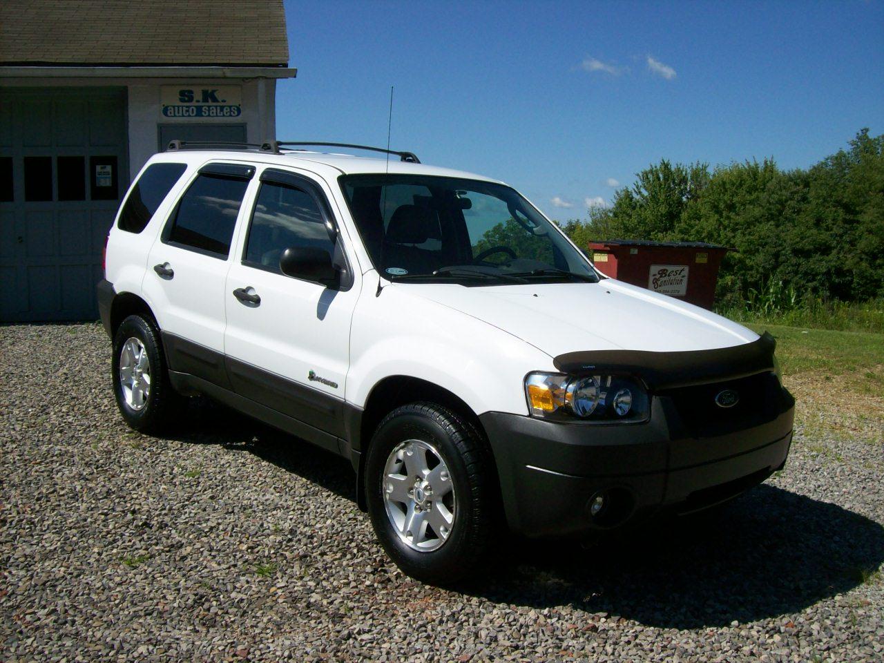 2005 ford escape hybrid 127k miles s k auto sales. Black Bedroom Furniture Sets. Home Design Ideas